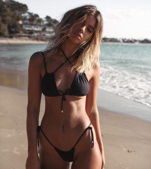 alexis ren black bikini