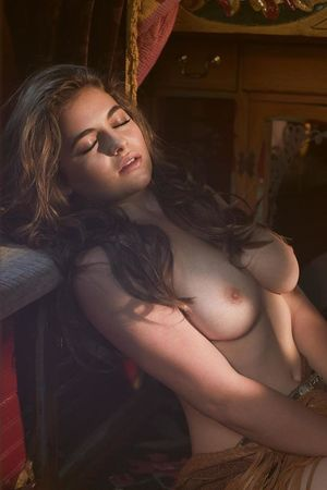 Nude emily cox Emily Cox