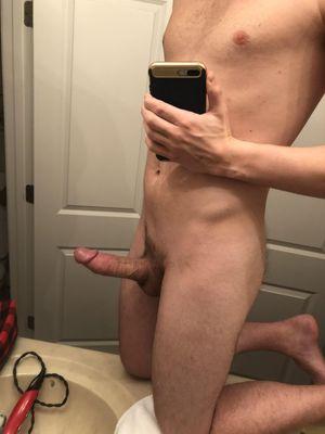 male nude selfie