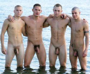 straight male nudist