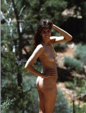 Des  nackt Barres Pamela The wild