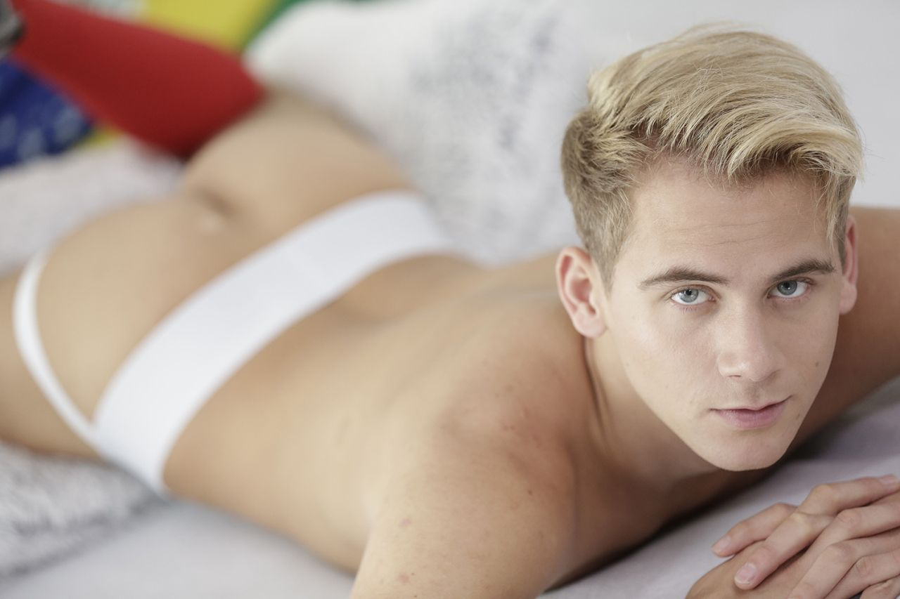 Blondie_twink_paris, Male Blonde Gay Paris Escort