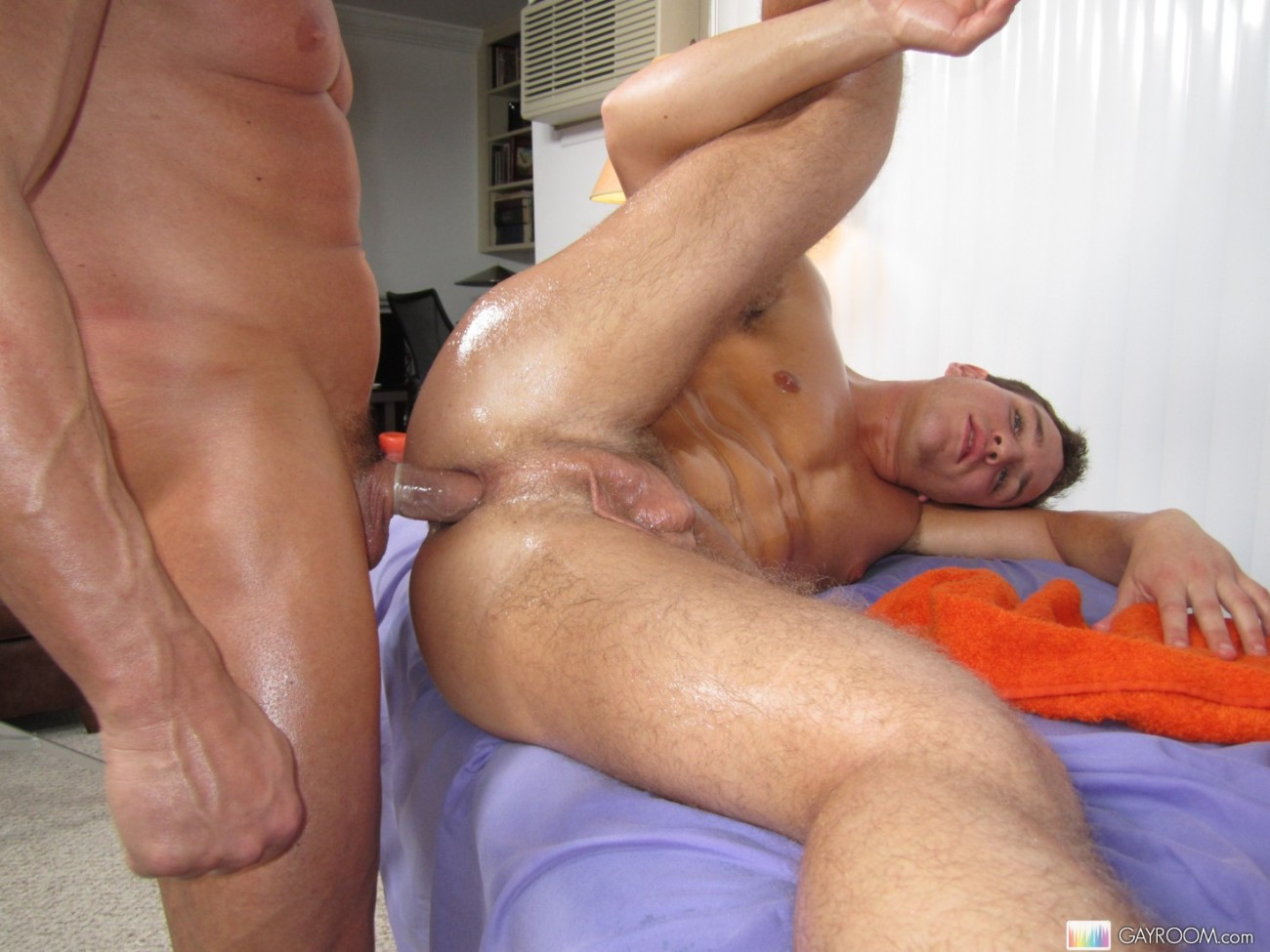 Gay masseuse taking advantage of a straight guy