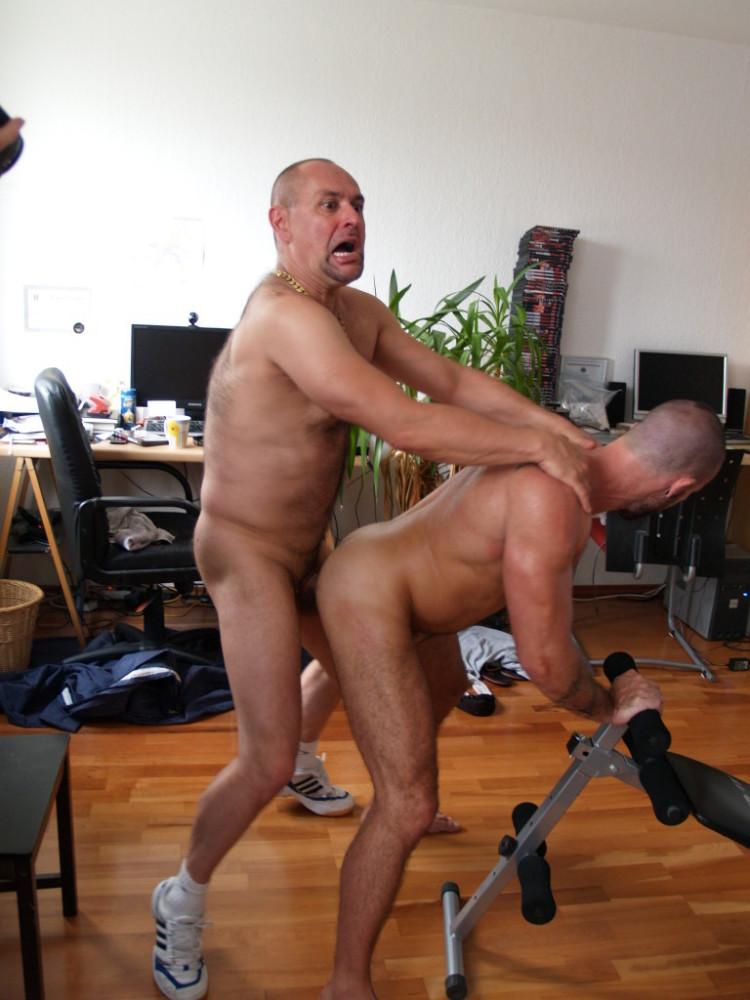 Cliff Inch and Jorge Ballantinos at all real bareback - GayD