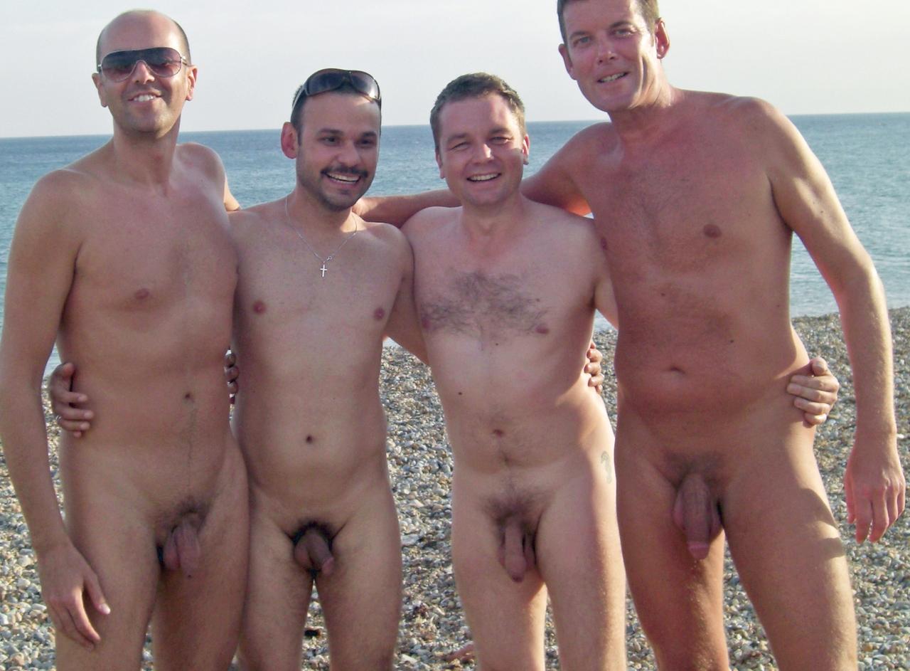 ciclistas nudistas: Jueves de calor.